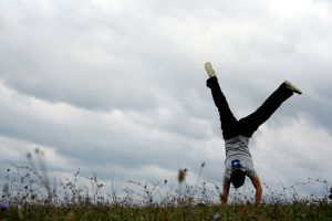 876777_handstand